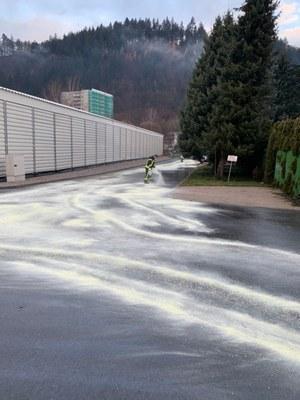 16.12.2020 auslaufende Betriebsstoffe Mauermattenstrasse 1