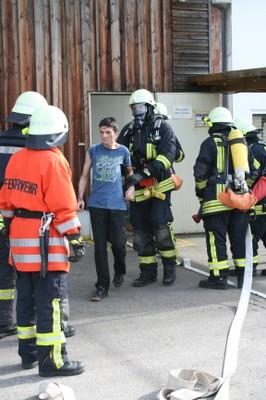 Rettung von Personen aus dem Gebäude