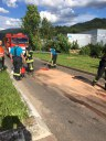 Auslaufende Betriebsstoffe nach Verkehrsunfall