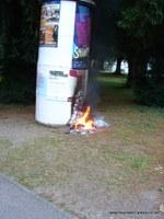 Brand einer Litfasssaeule