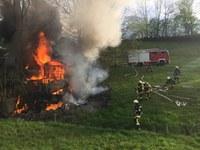 """Einsatzstichwort: """"Wohnungs- und Gebäudebrand"""", Kohlenbach"""