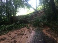 Erdrutsch und weitere Hochwassereinsätze