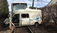 Technische Hilfeleistung nach Verkehrsunfall mit S-Bahn
