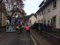 Unterstützung Rettungsdienst und Fahrzeugbrand